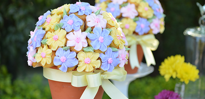 01_easter cupcake bouquet banner